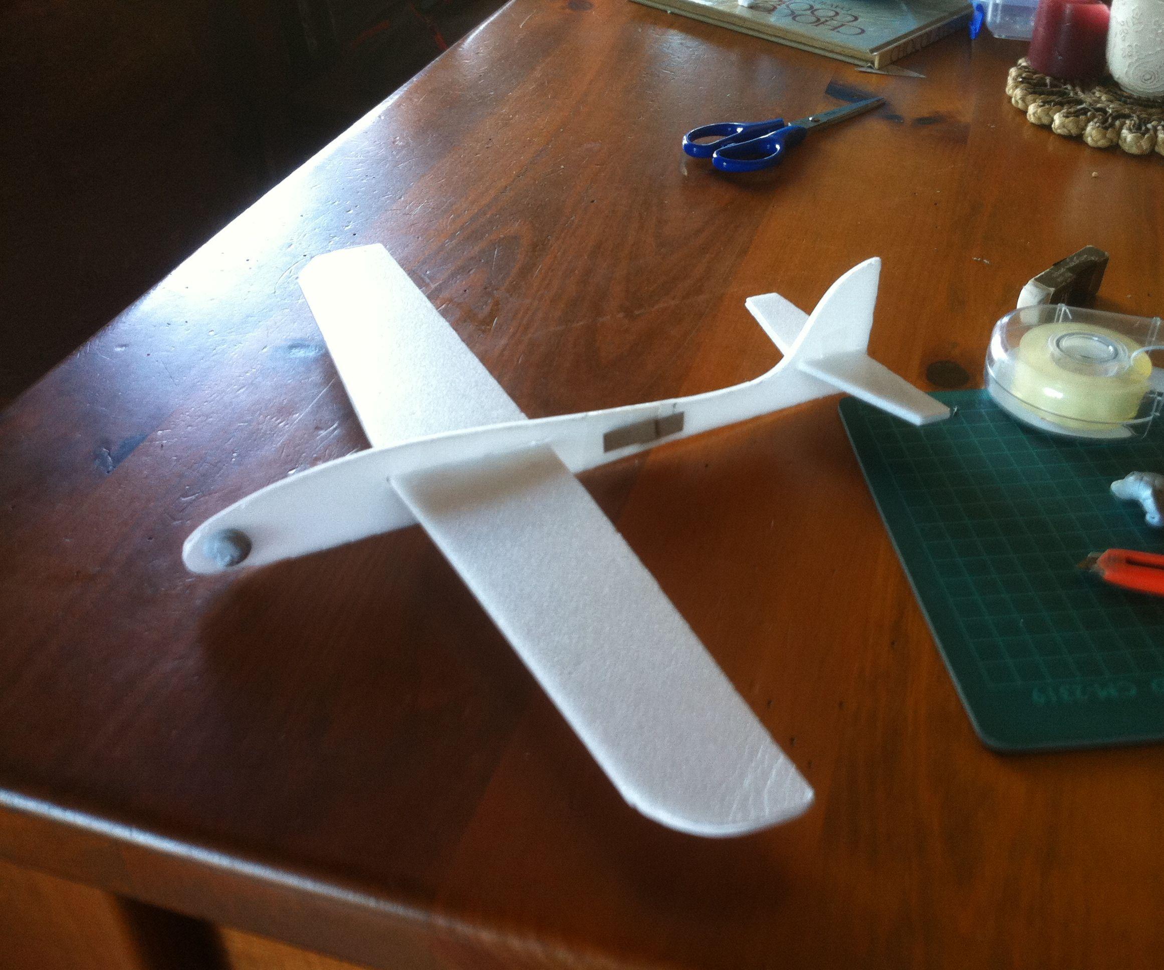 Kids Home Made Glider Using Depron Foam: 4 Steps