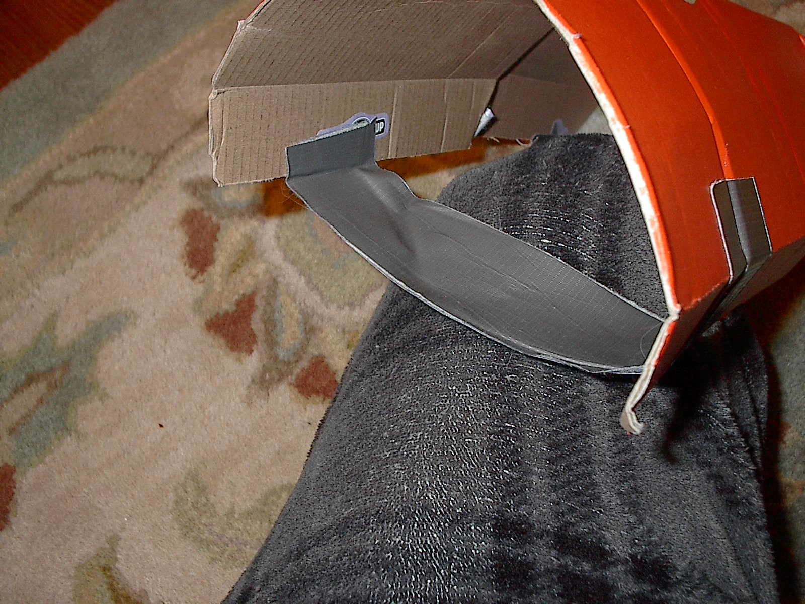 Picture of The Making: Straps Tip