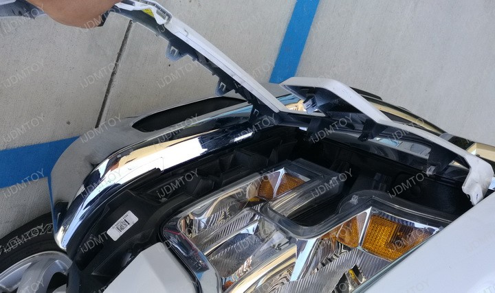Picture of Remove the Fender Flare.