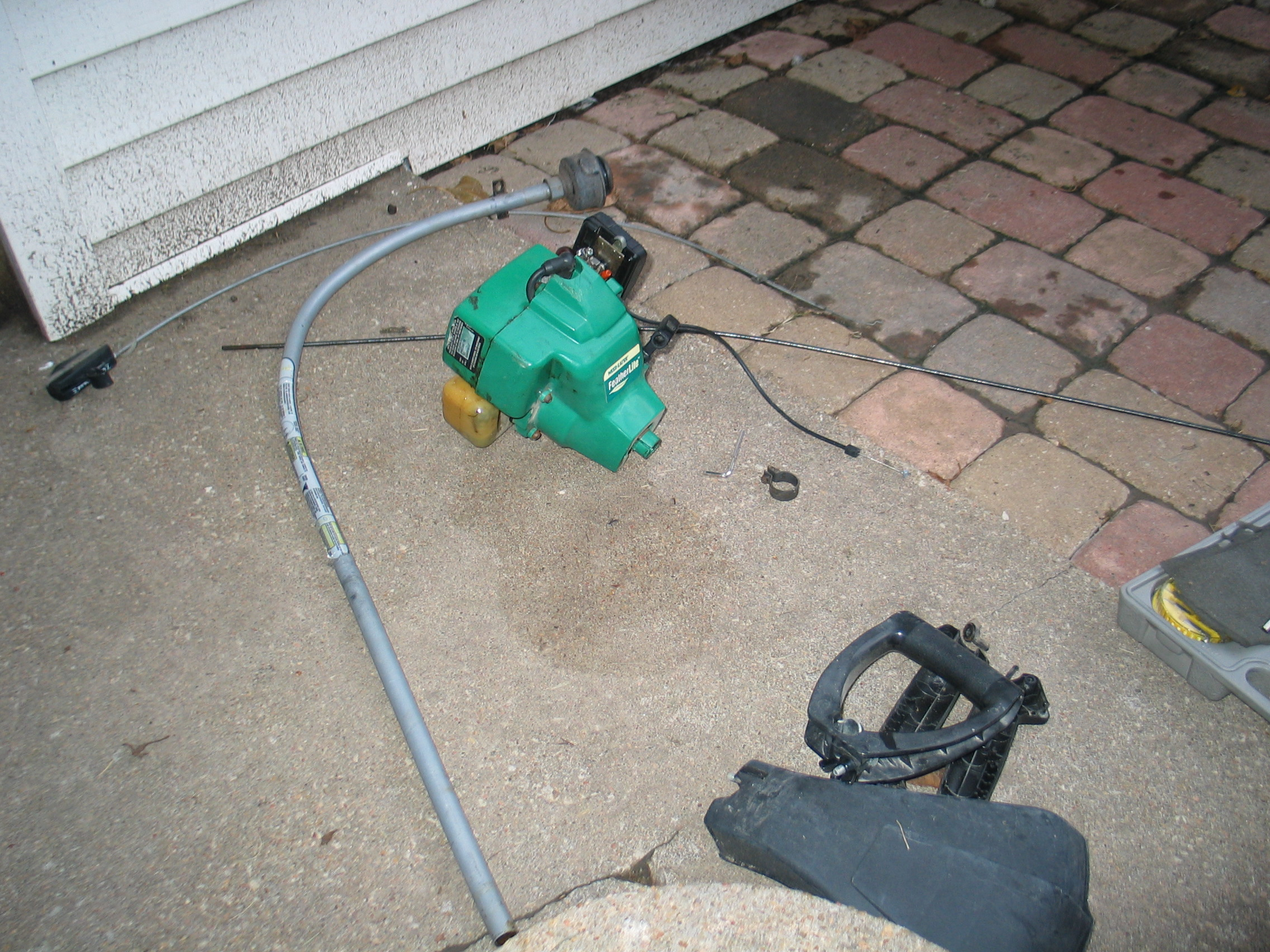 Picture of Prepare the Gas String Trimmer.