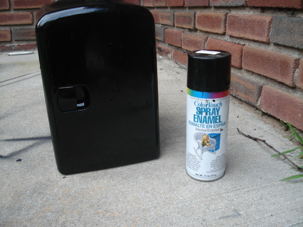 Picture of Painting the Wood and the Mini Fridge