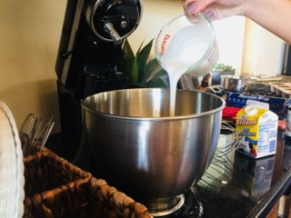 Picture of Making the Icing