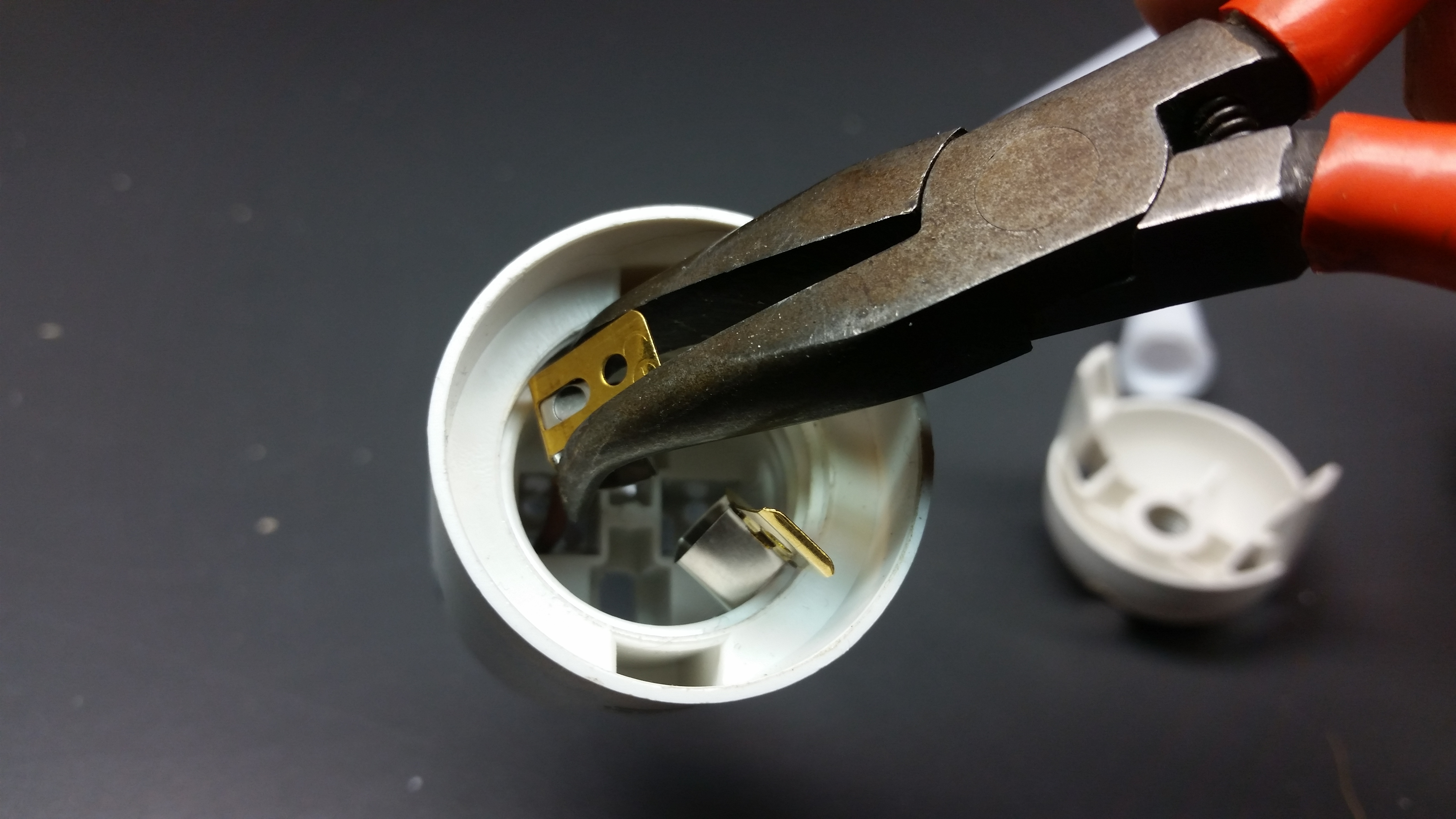 Picture of Reassemble the Light Socket