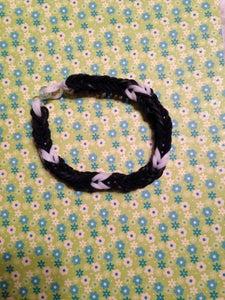 Fishtail-Black and White