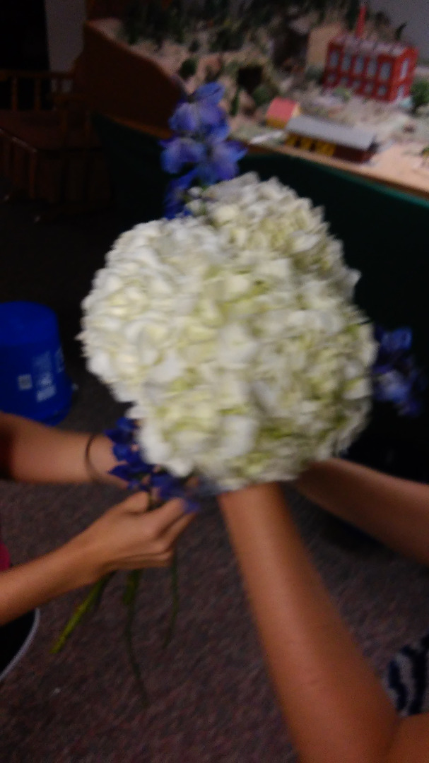 Picture of Arrange the Flowers