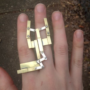Mechanical Claw Ring