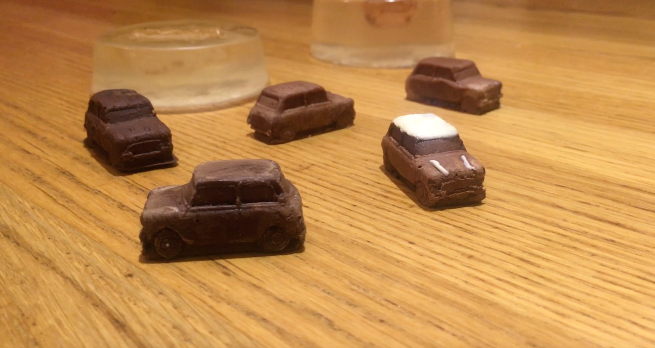 Picture of Mini Chocolate Cars - From Gelatin Molds