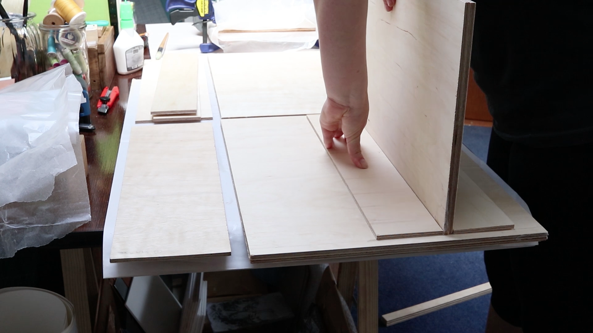 Picture of Preparing the Shelf Insets