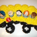 School bus cupcakes.The wheels on the bus go round & round...
