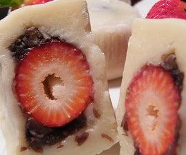 Strawberry Red Bean Mochi (Daifuku)