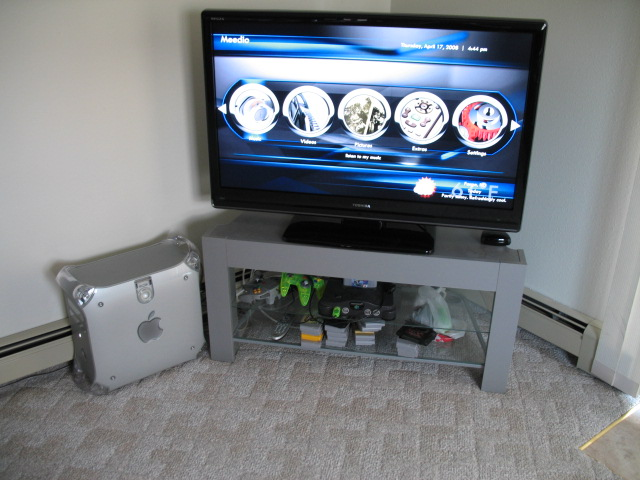 Picture of HTPC in a G4 Quicksilver Case