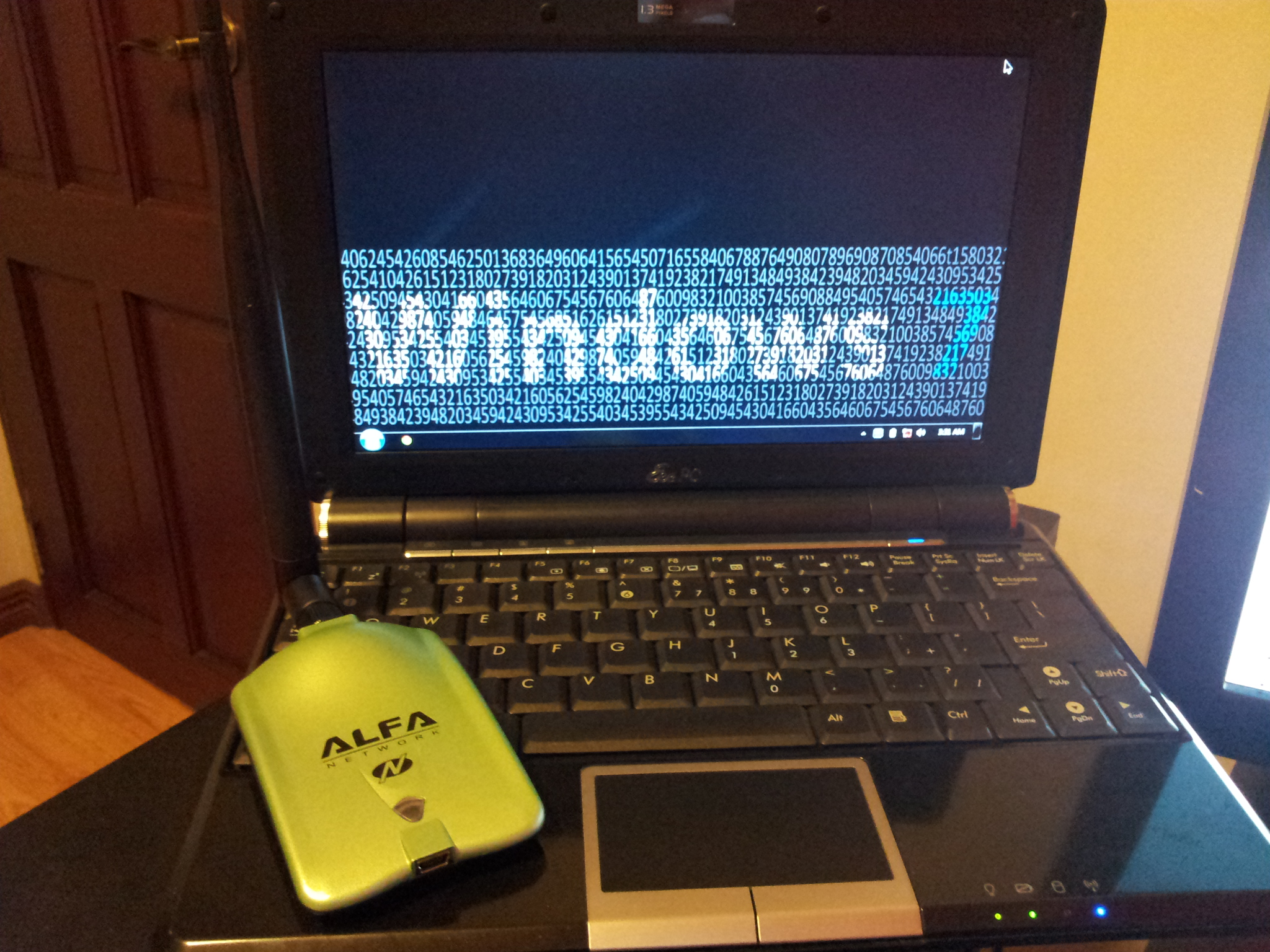 Picture of How to Attach an Alfa AWUS036NH to a Netbook