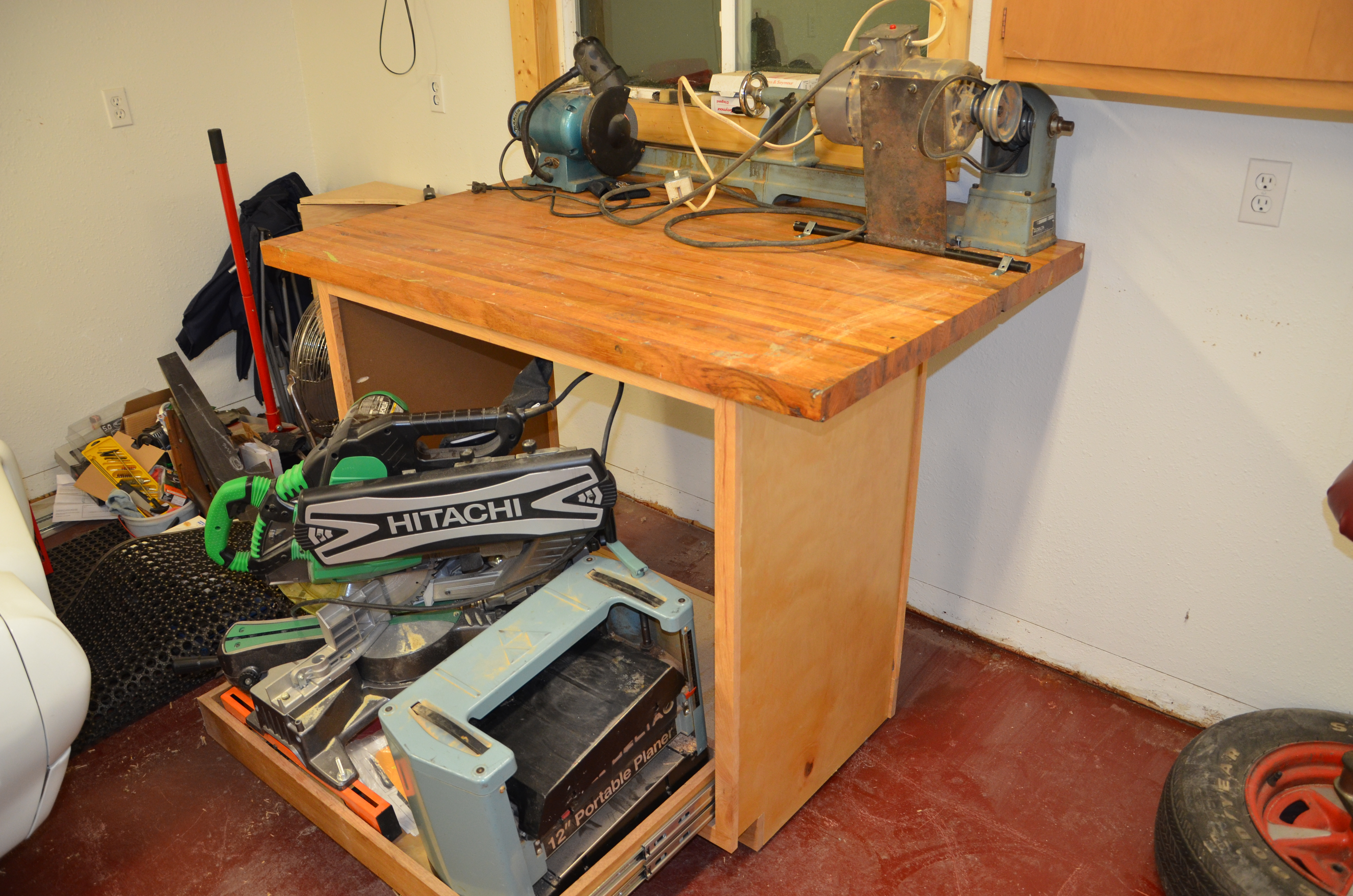 Picture of Rolling Workstation for Small Workspaces