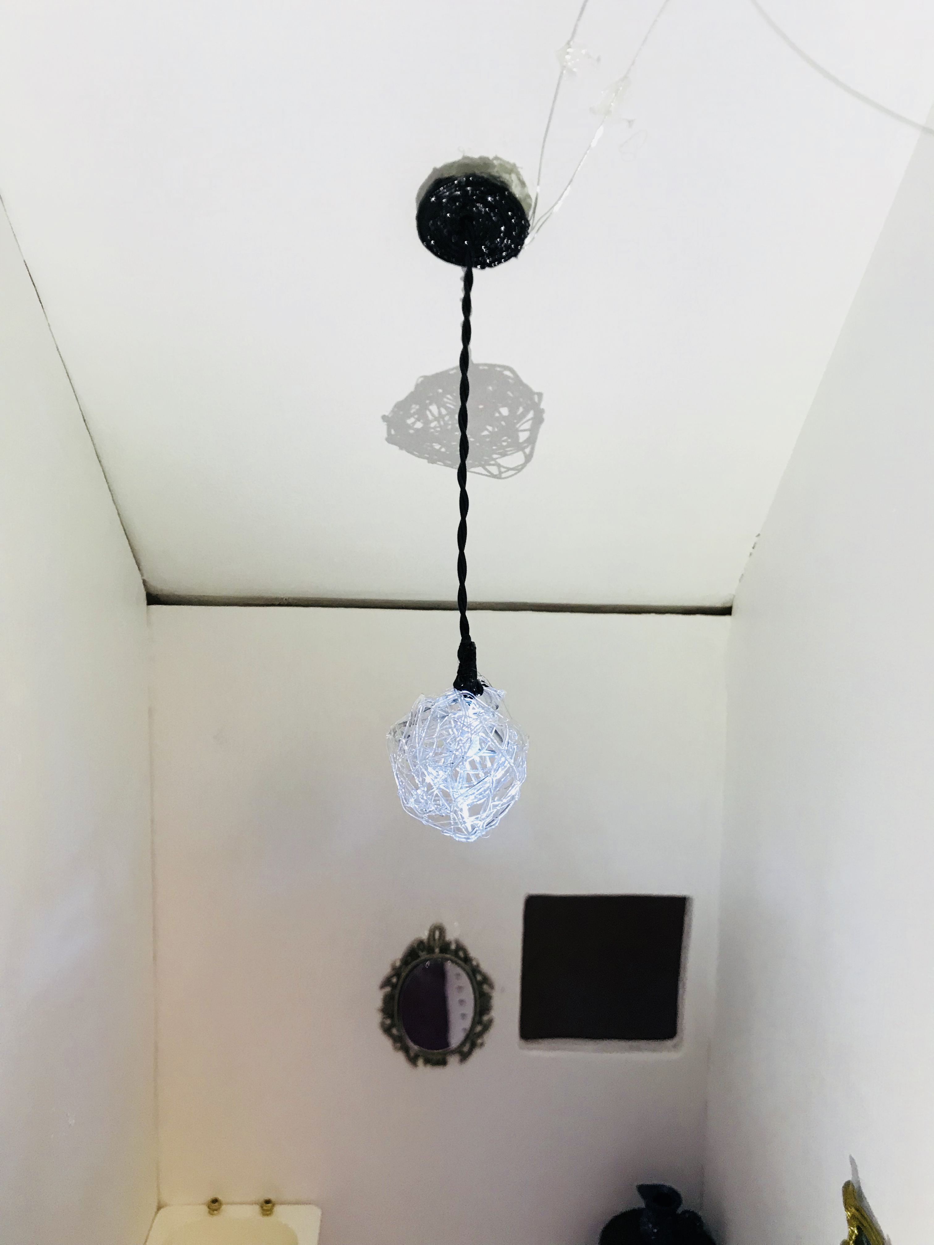 Picture of Miniature Working Modern Pendant Light