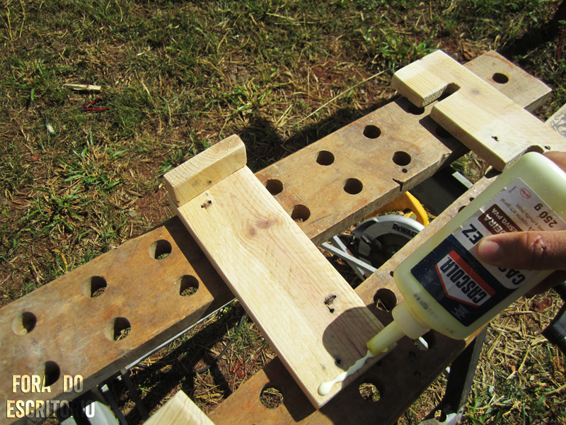 Picture of Sanding and Gluing
