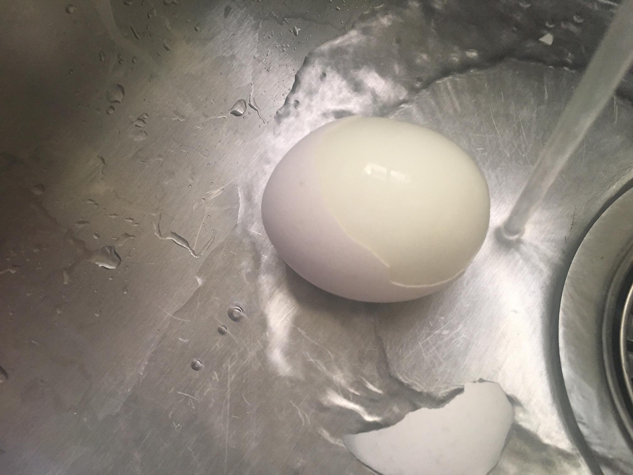 Picture of Peel Eggs