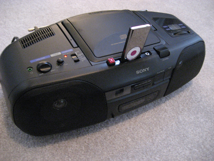 Picture of PLAY AND RECHARGE IPOD USING OLD BOOMBOX - Hints and Tips