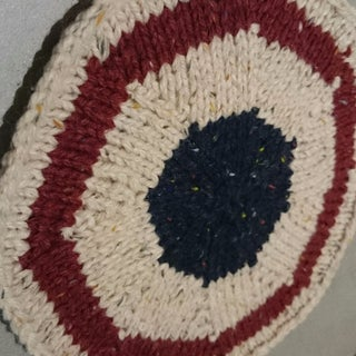 Circular Blanket Knitted in the Round