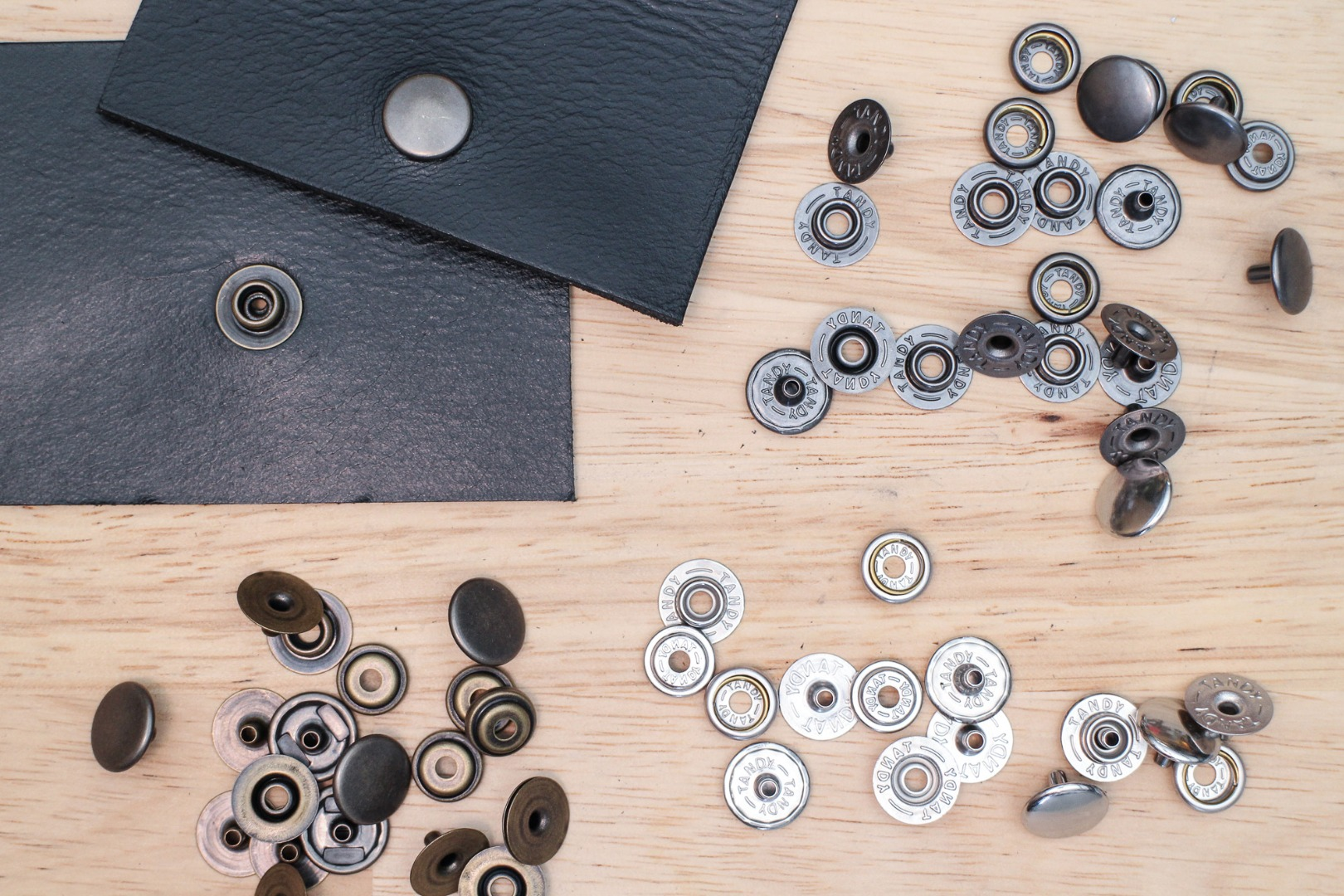 Picture of Leather Hardware: Snaps