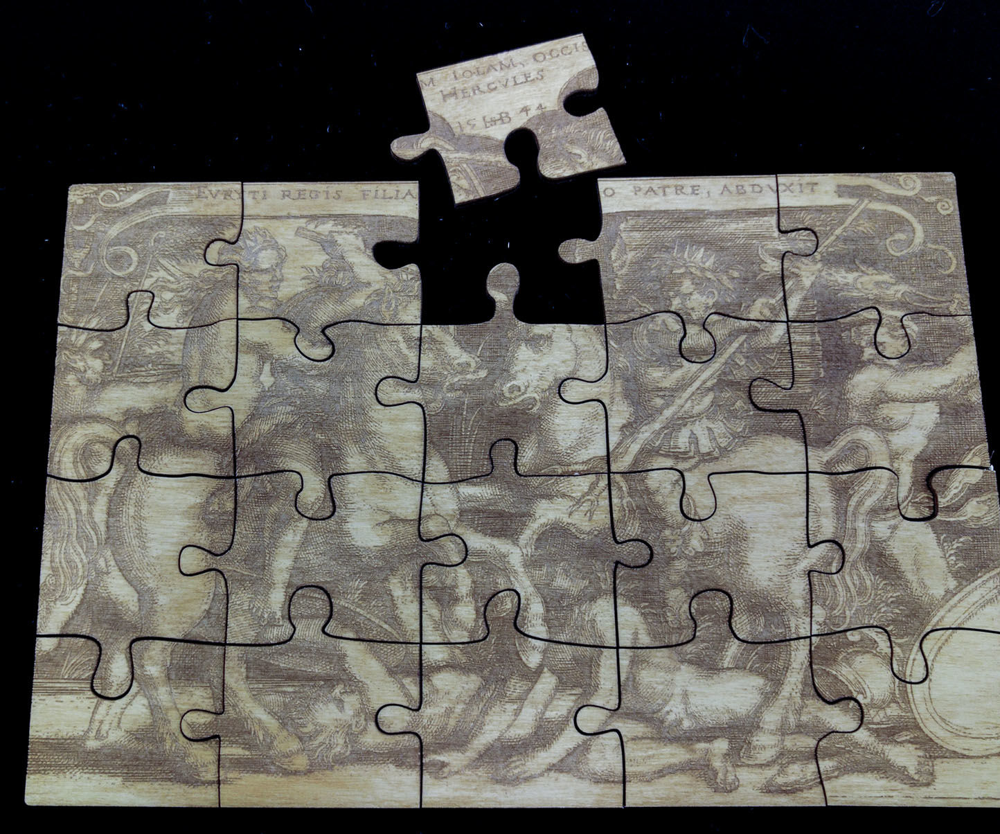 Laser-cut Jigsaw Puzzle: 4 Steps (with Pictures)