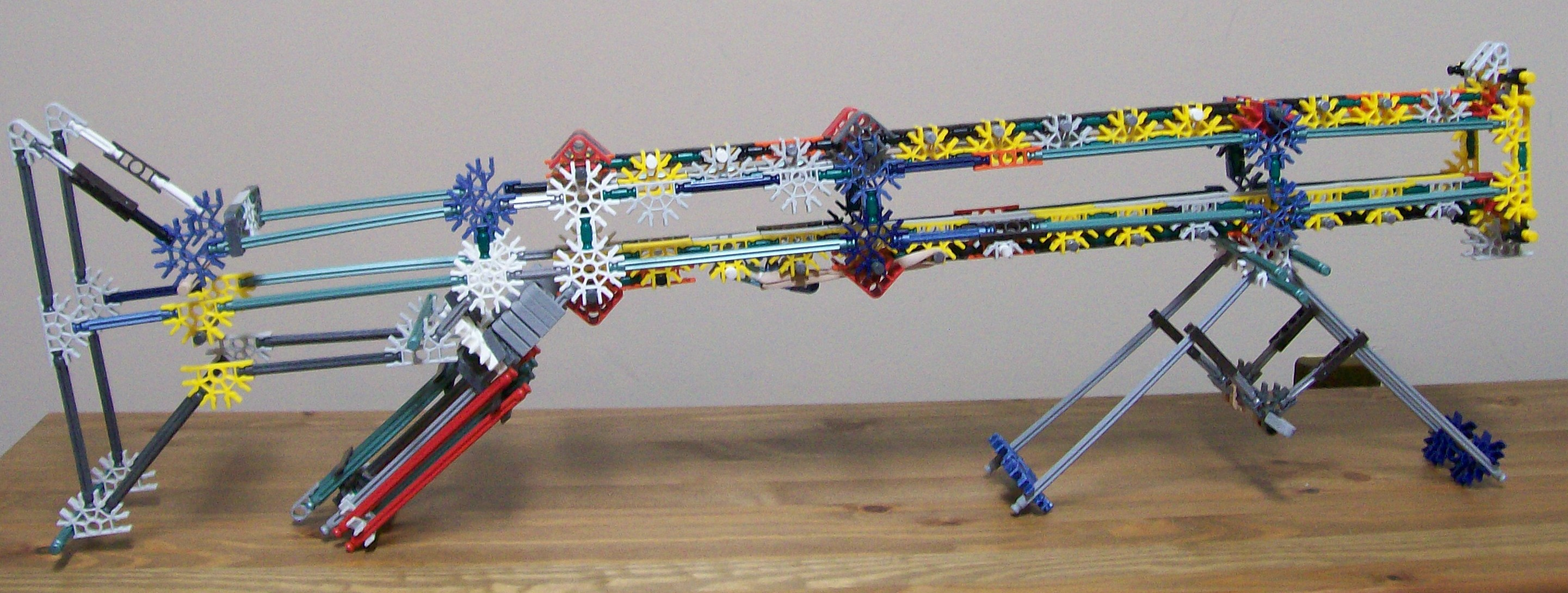 Picture of who do you think builds the best knex guns?
