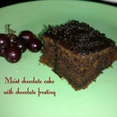 Moist chocolate cake with chocolate frosting (Super simple)