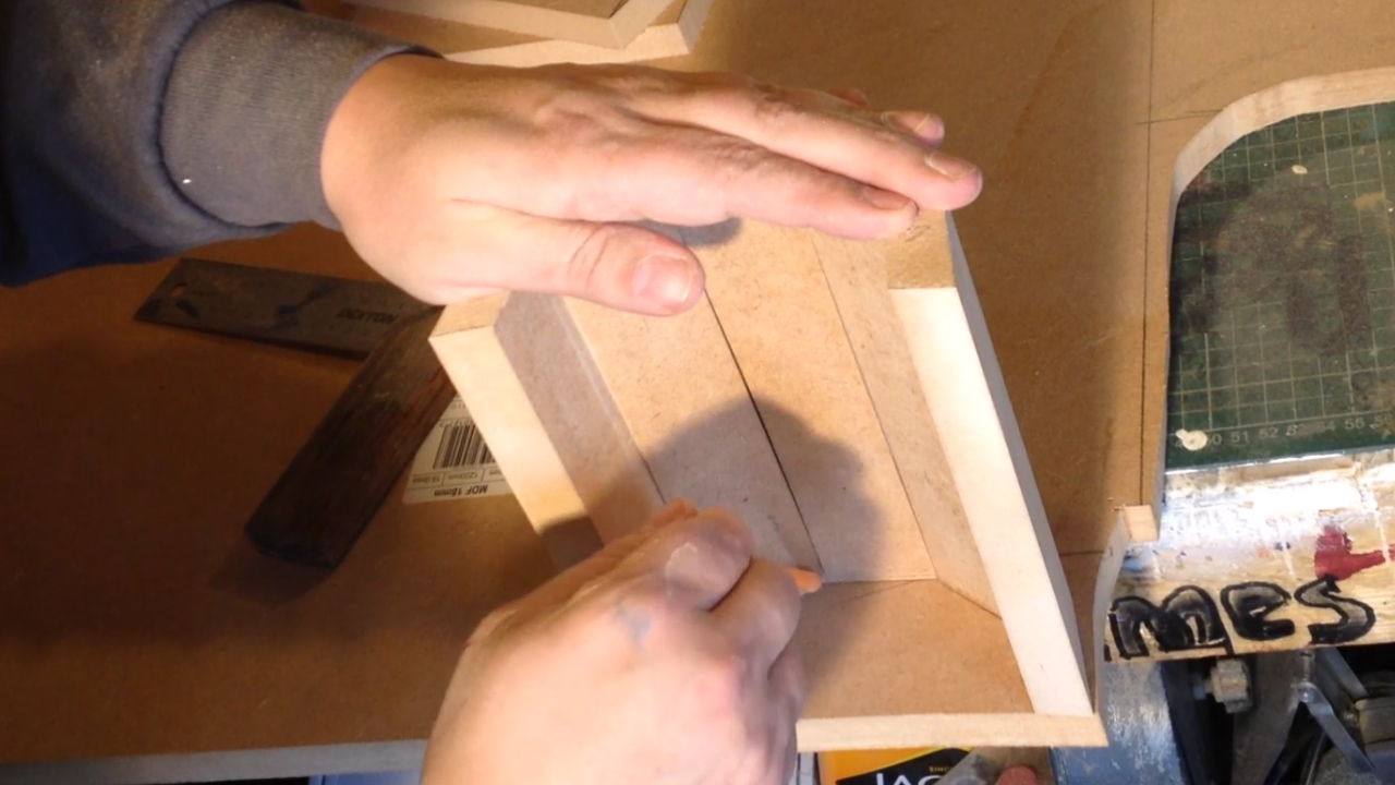 Picture of Making the Lid