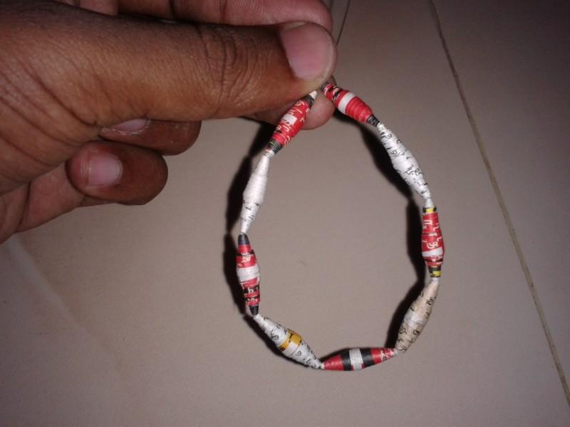 Picture of Simple Serial Bracelet - 1stdesign