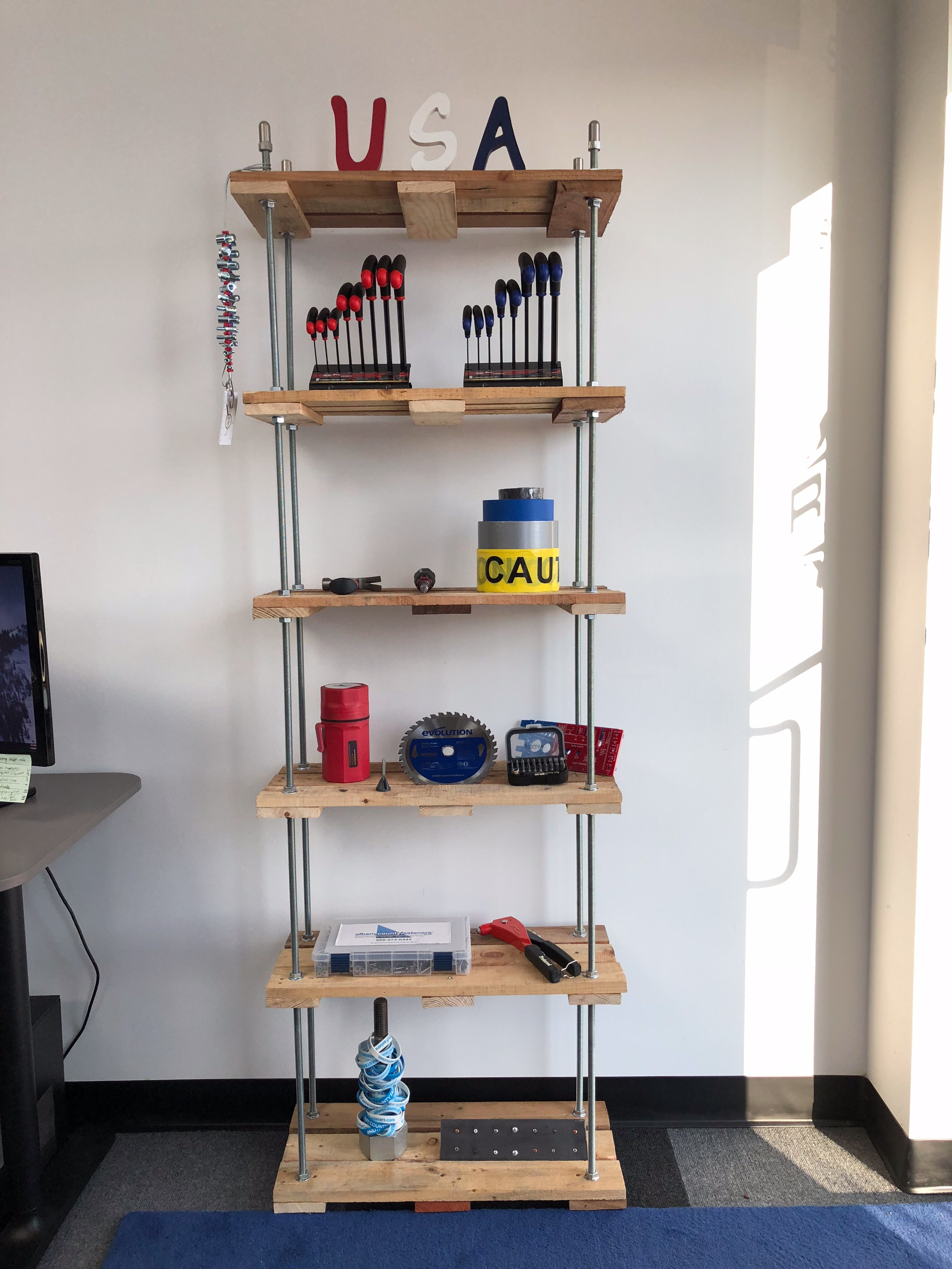 Picture of Threaded Rod Pallet Shelf