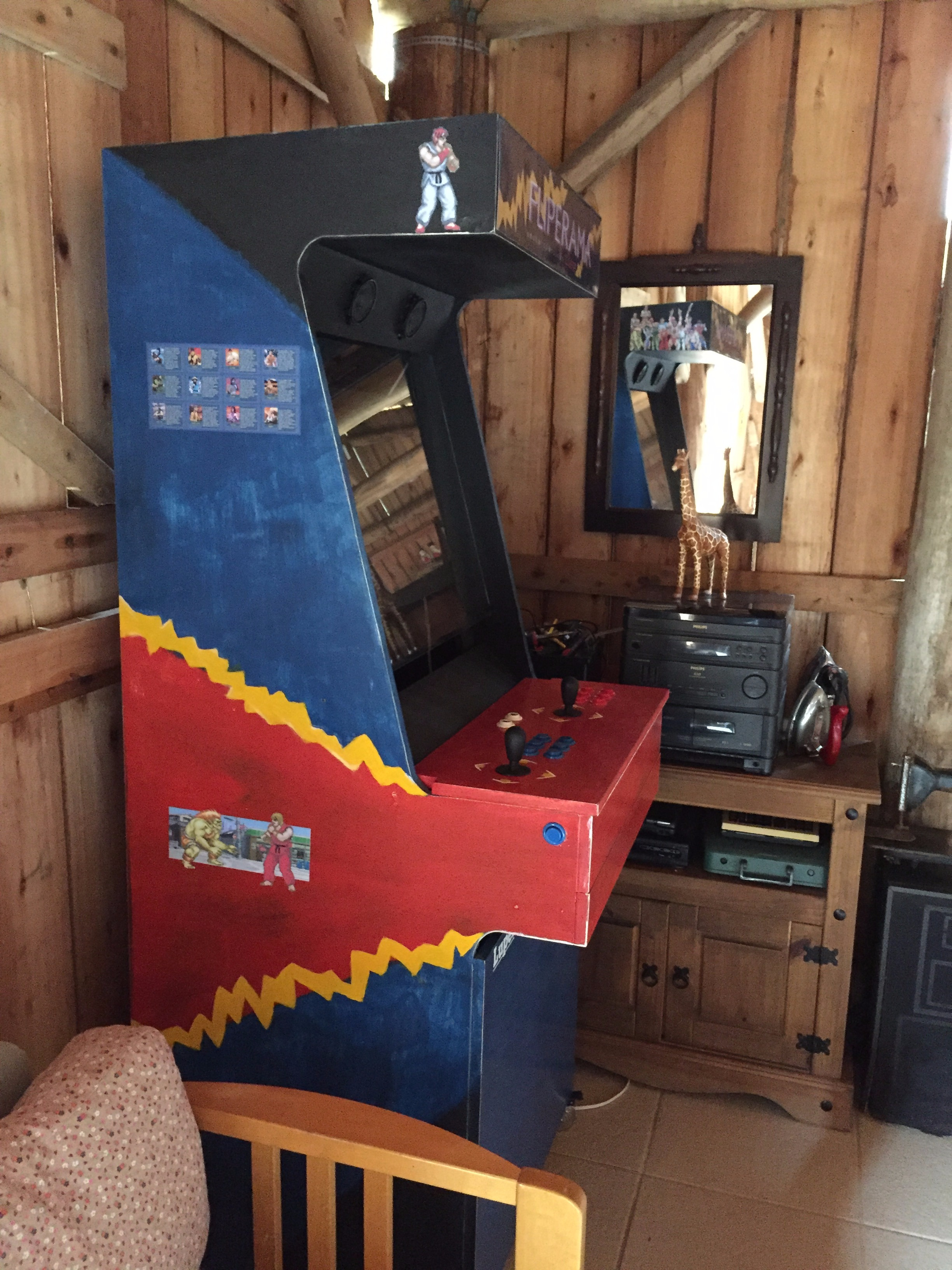 Picture of Arcade With a Old Pc and Vga Tv Monitor