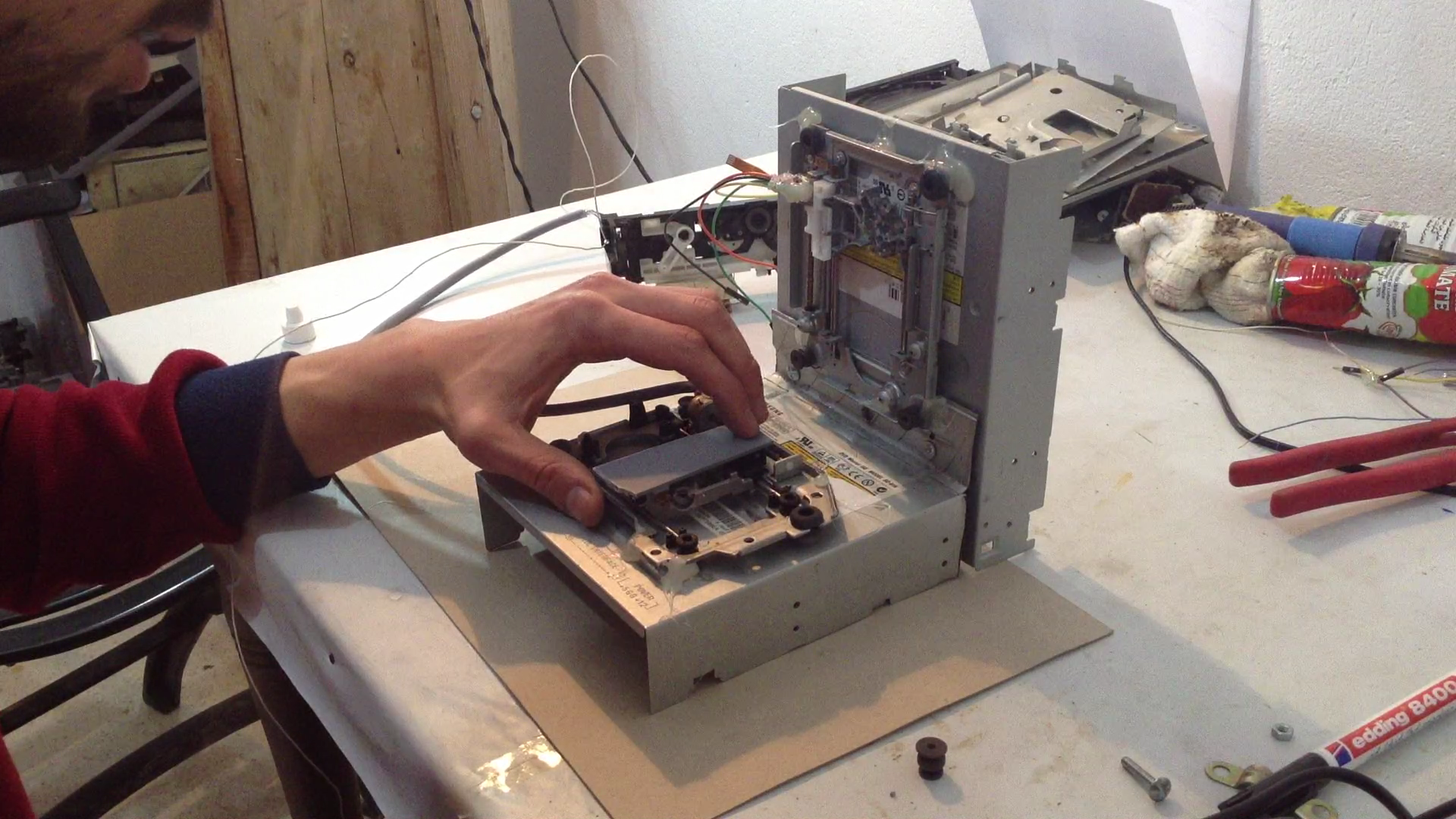 Picture of Assembling the Plotter