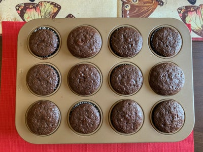 Baking and Cooling the Cupcakes