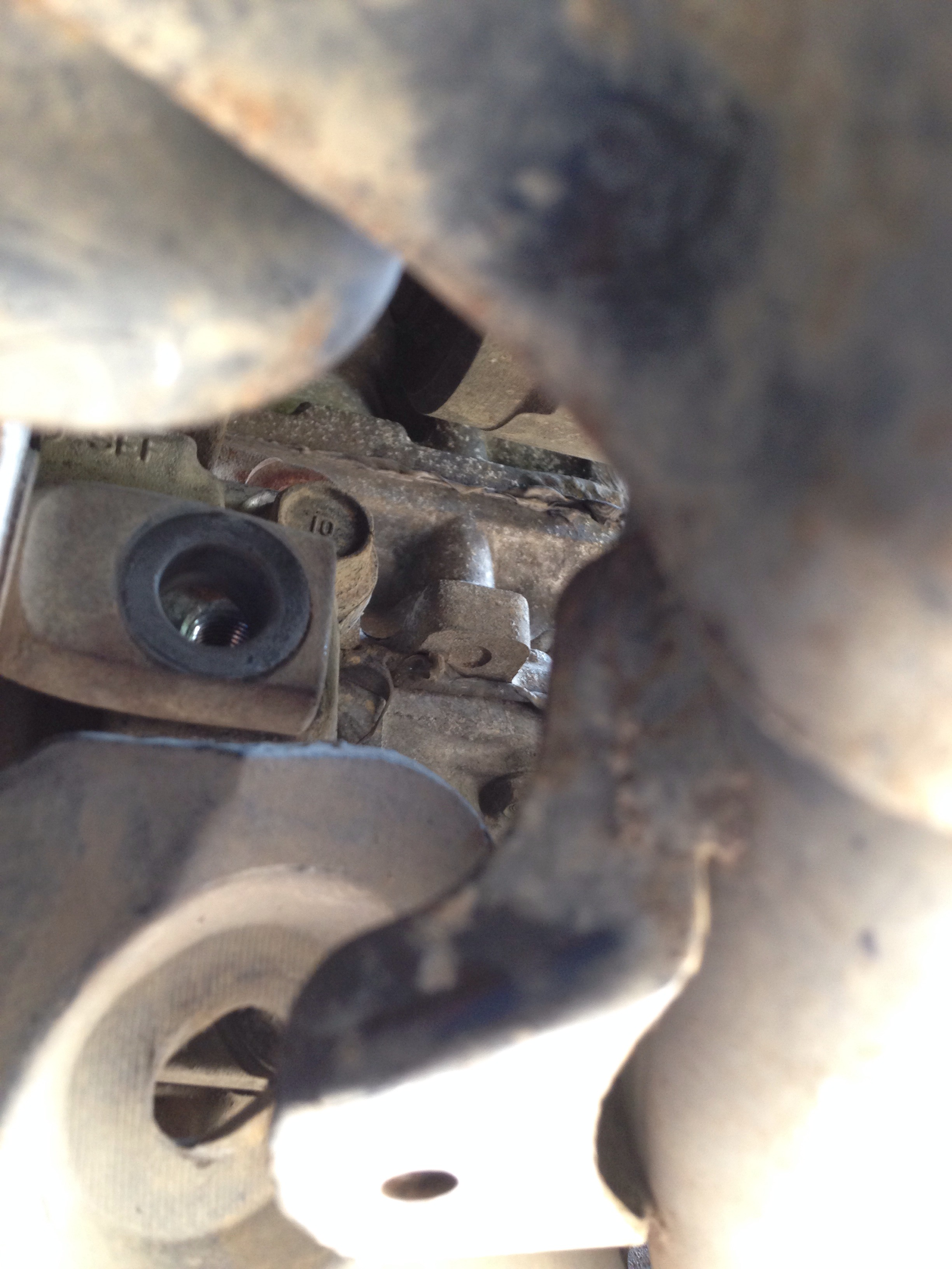Picture of Undo the Rear Engine Mount