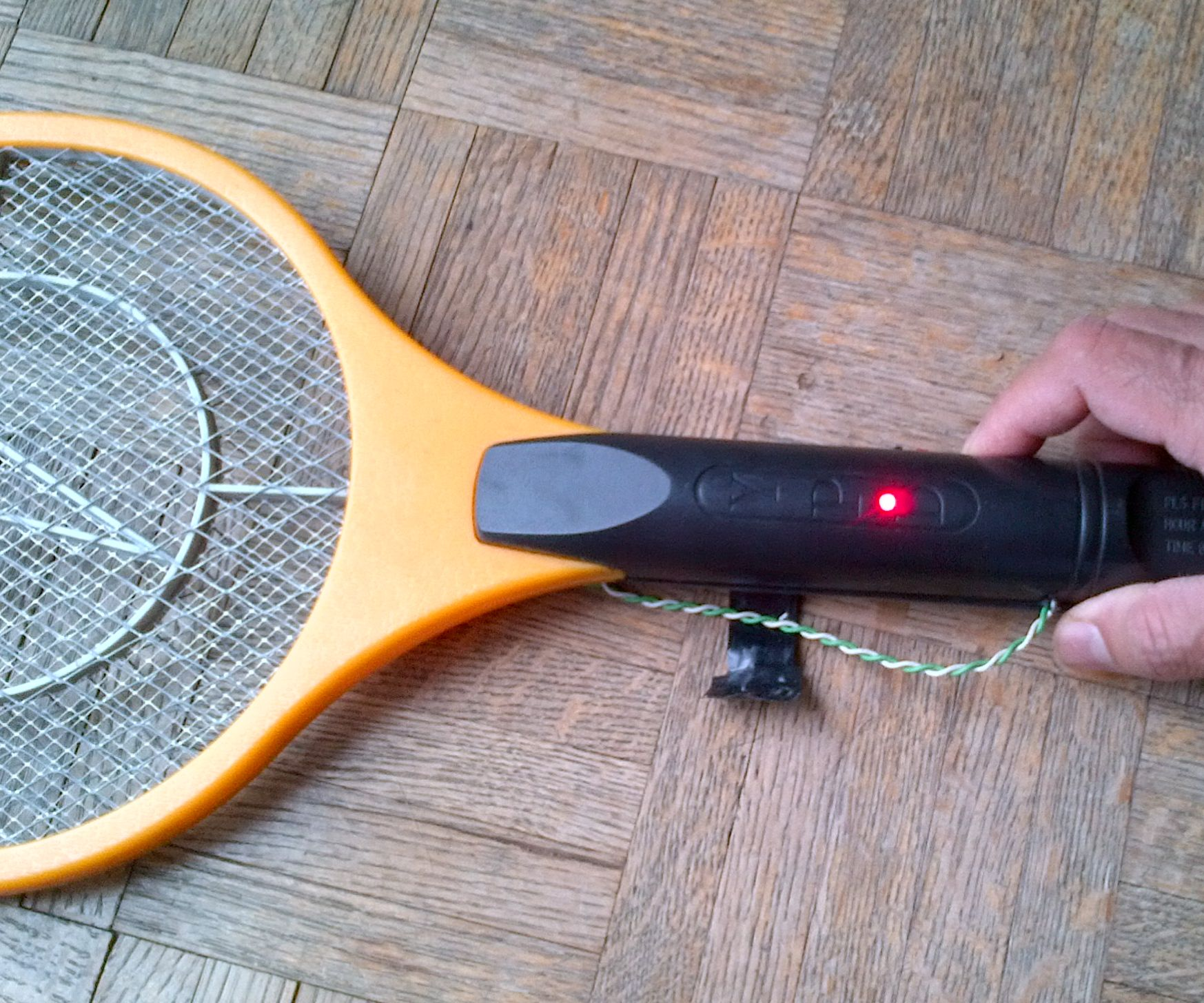 Bug Zapper Battery Replacement: 7 Steps