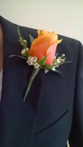 DIY Flower Boutonniere