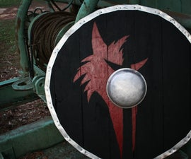 Pallet Wood Viking Shield (Make It Medieval-Ish)