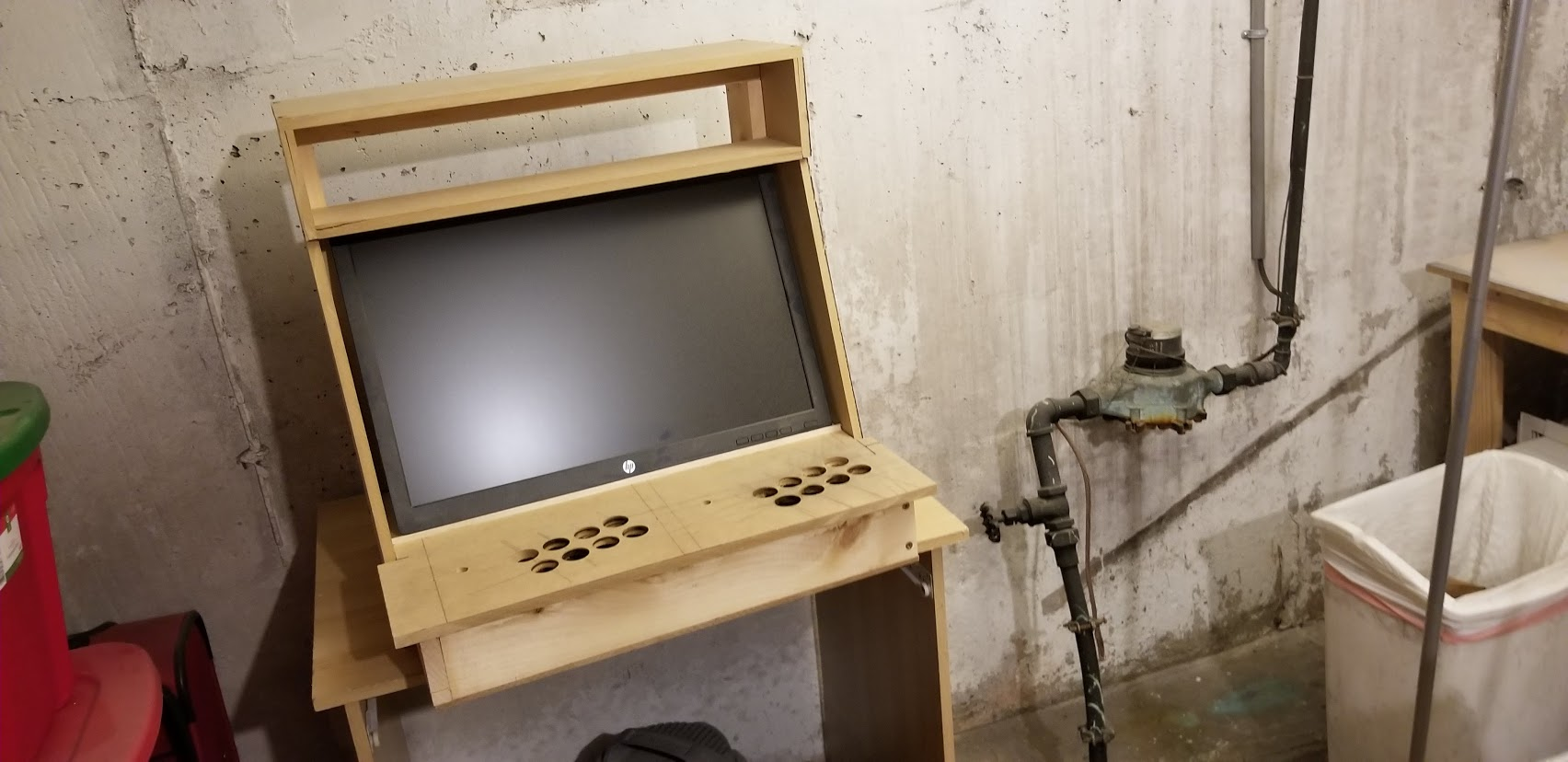 Picture of Place the Monitor in the Build