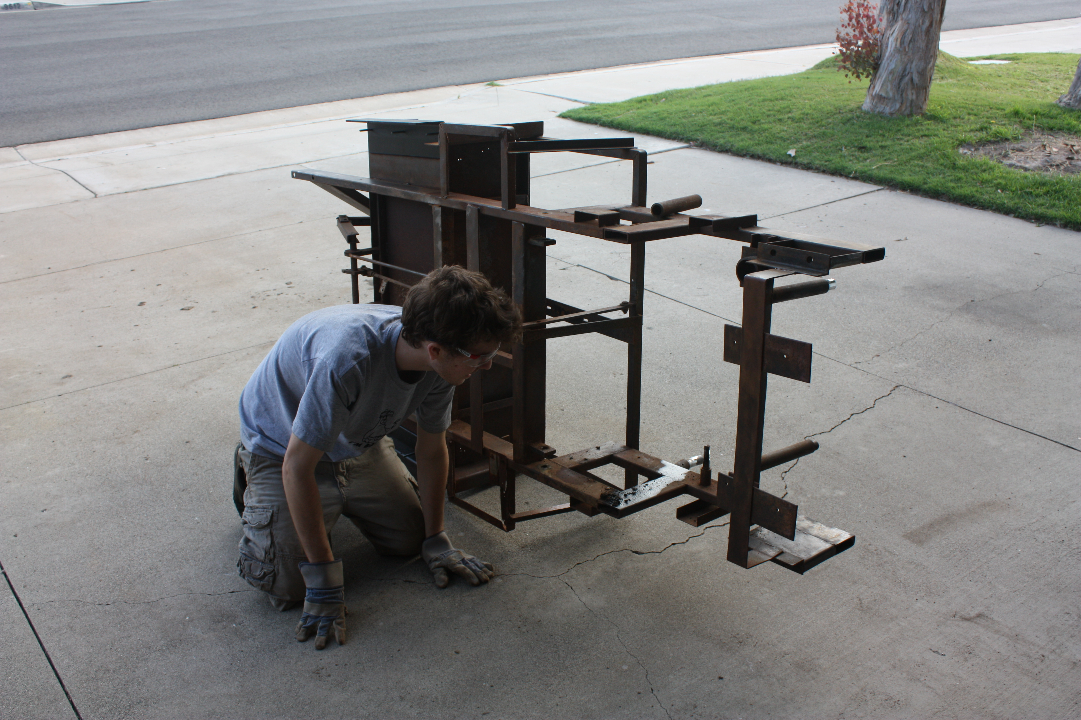 Picture of Stripping the Frame