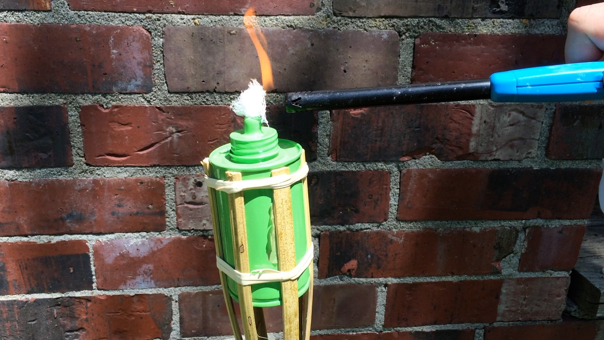 Picture of Use Cheesecloth As a Replacement Wick