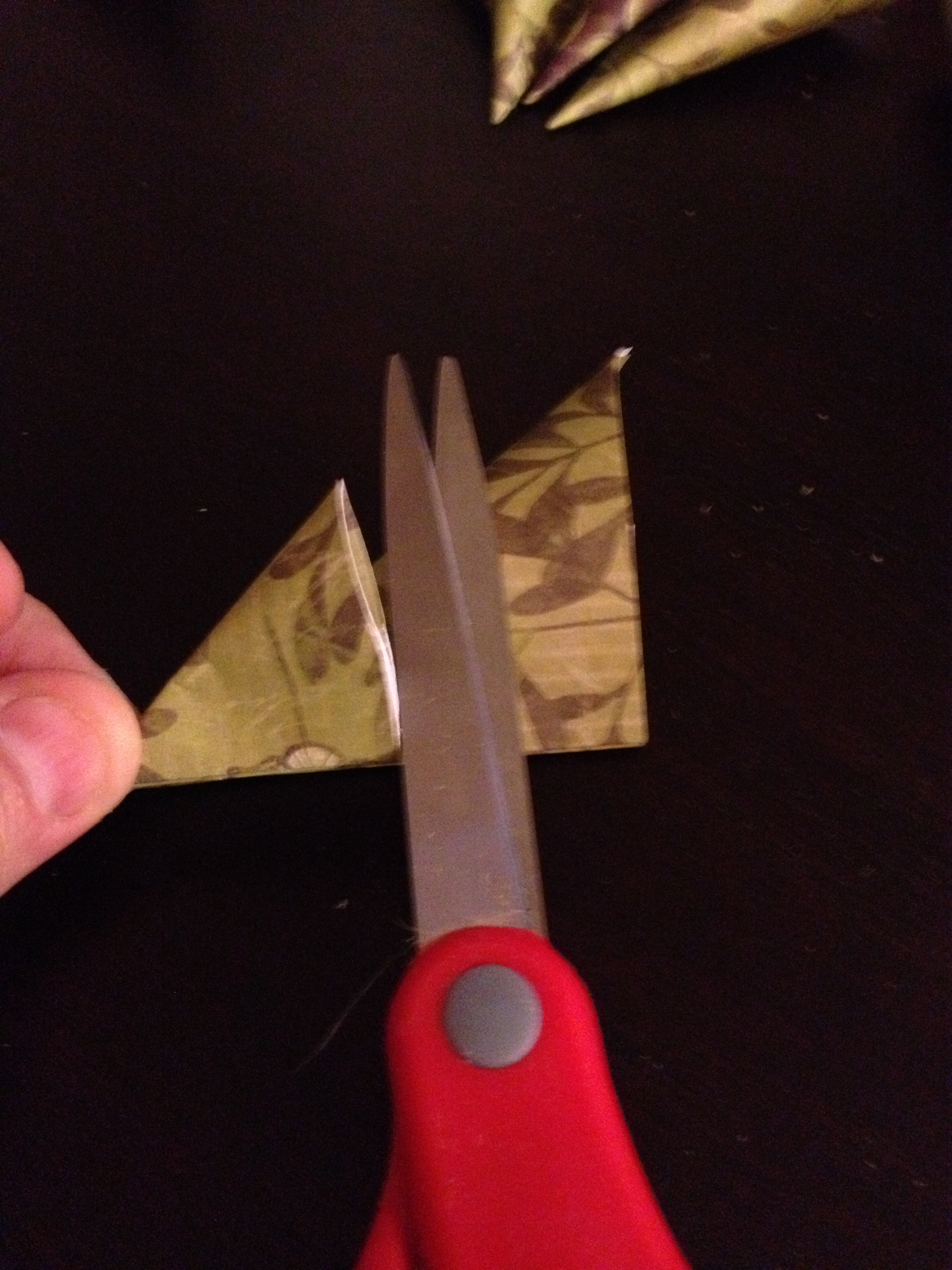 Picture of Cutting the Petal to Size