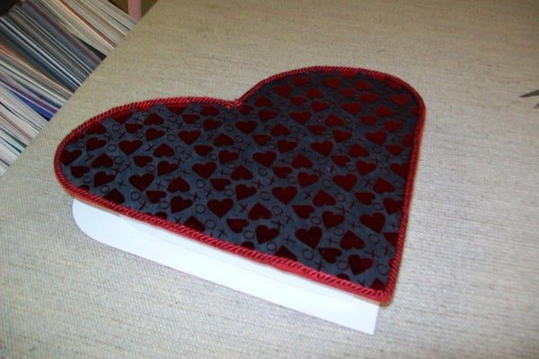 Make a Heart-shaped Gift Box for Valentine's Day!