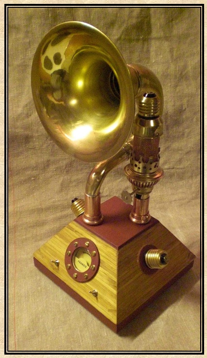 Picture of Steampunked FM-receiver  Running With Amplifying Tube