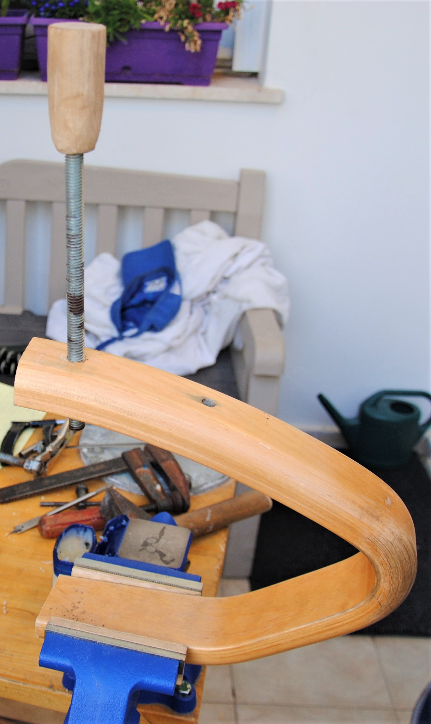 Picture of Attach the Handle to the Threaded Rod
