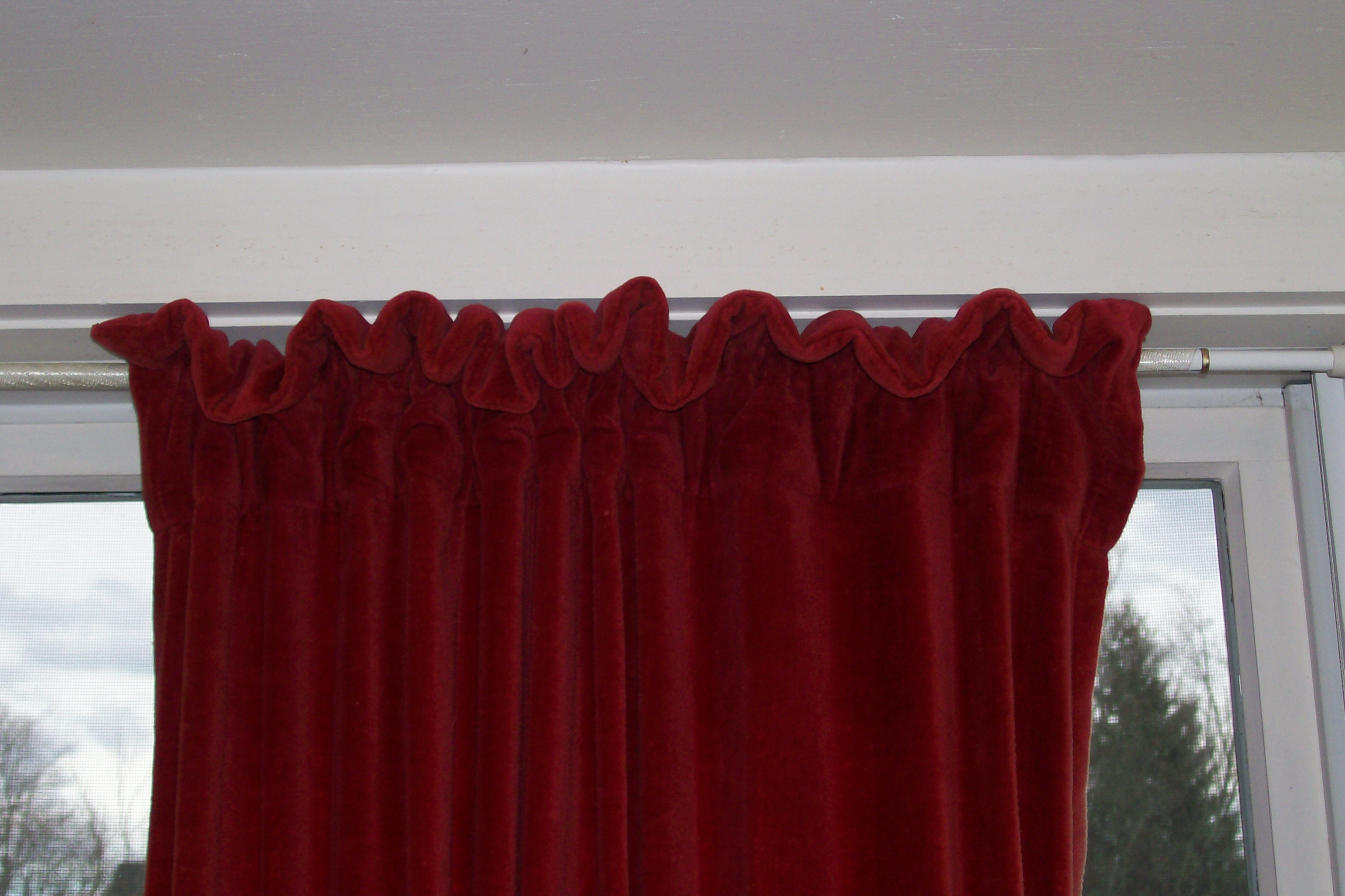 Picture of Prevent Bent Curtain Rods