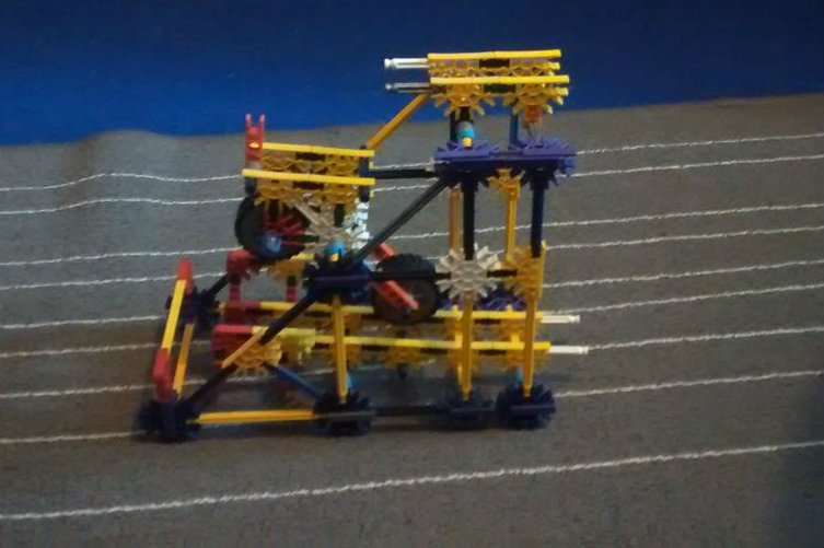 Picture of Spin 'n' Kick! | a K'nex Ball Machine Element