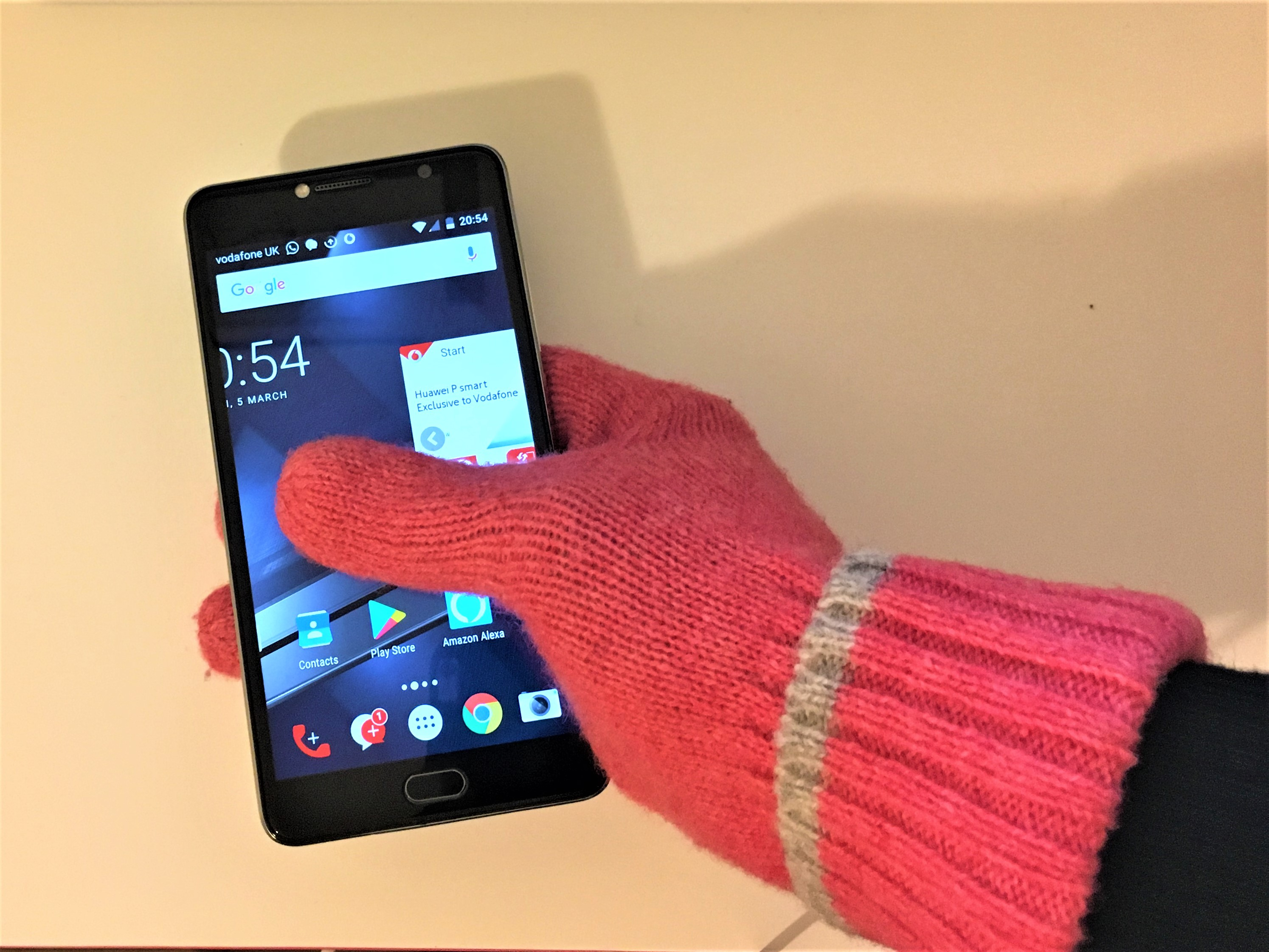 Picture of Make Your Own Smartphone Gloves