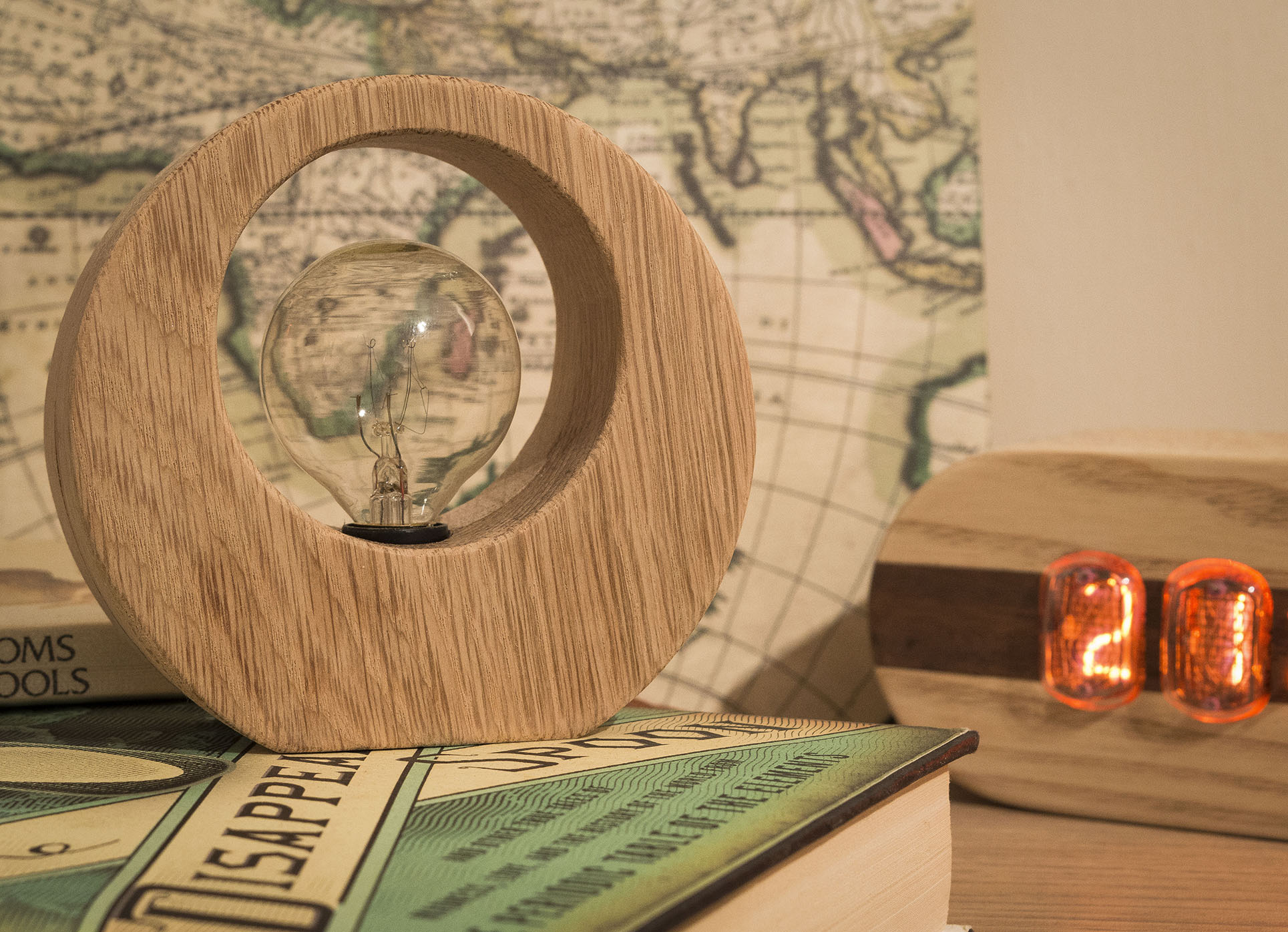 Picture of Tiny Oak Ring Lamp