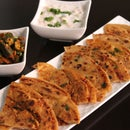 Chilli Flakes Lachha Parantha (Indian Layered Flatbread)