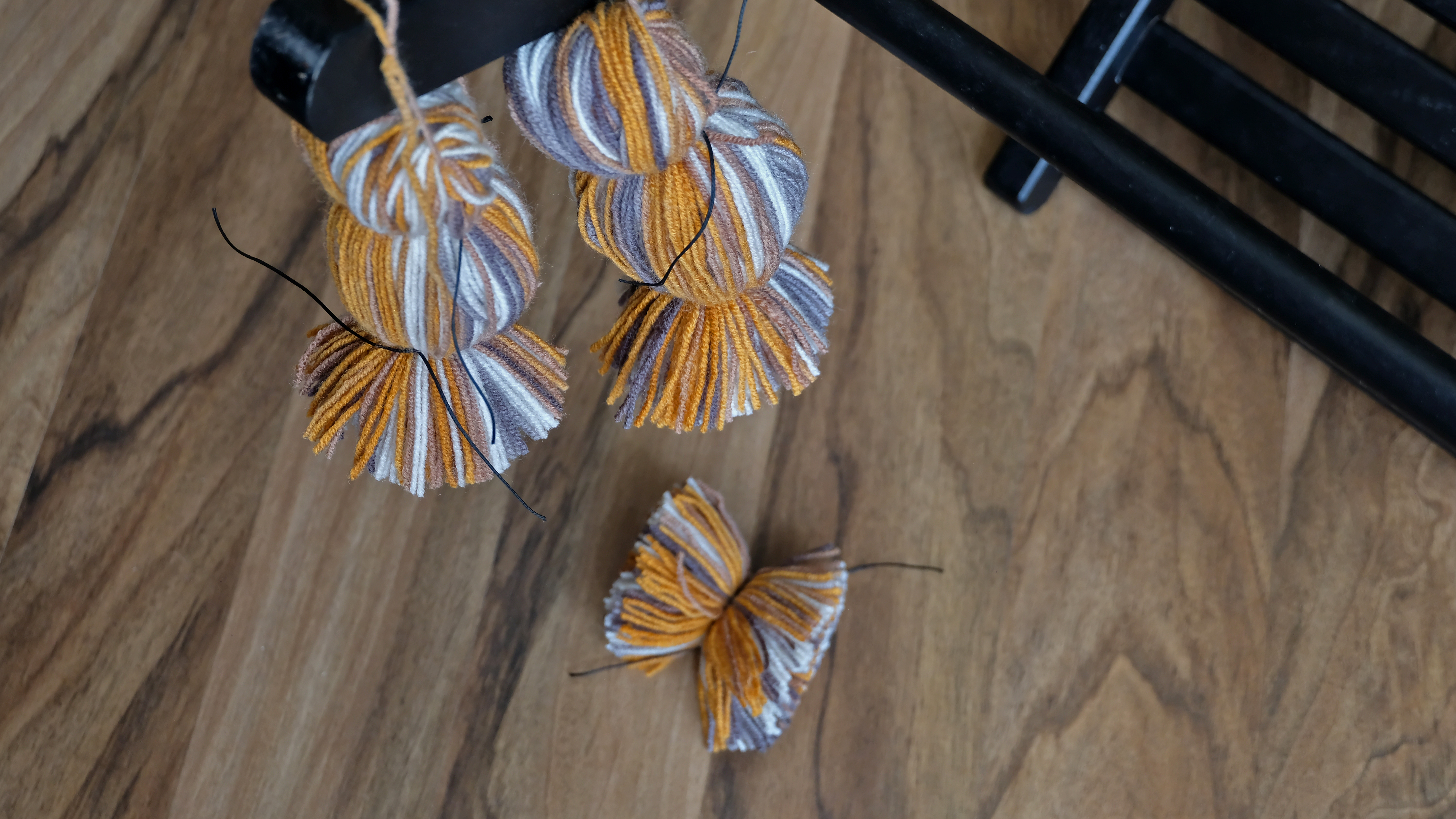 Picture of Making Pompoms. Cutting