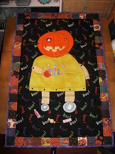 Picture of Halloween Robot Quilted Wall Hanging